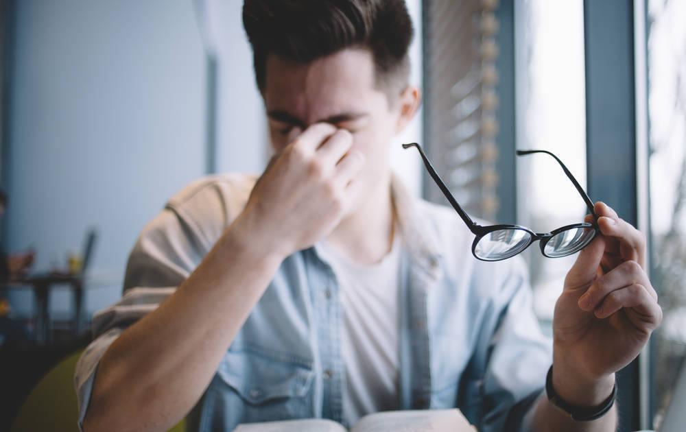 Los problemas en la vista de los empleados, un caso cada vez más común en las empresas nacionales